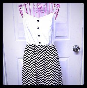 Dresses & Skirts - Chevron print Summer dress